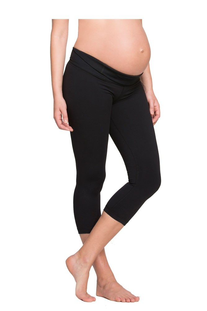 Ingrid & Isabel Active Capri Maternity Pant (Jet Black)