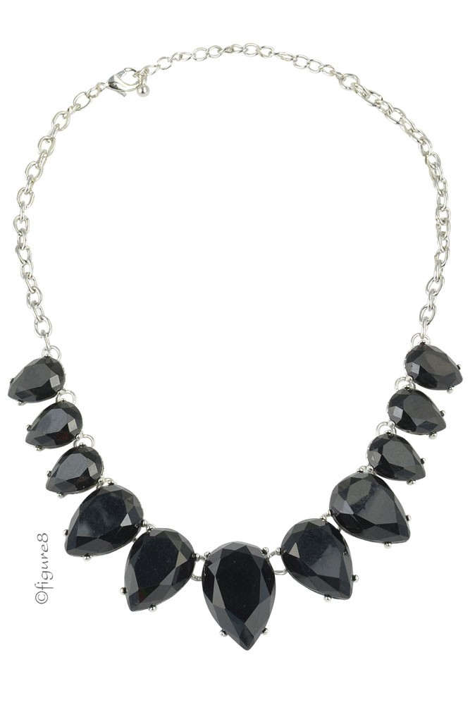 Emma Black Teardrop Necklace (Black)